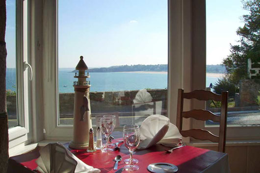 restaurant hotel port jacquet