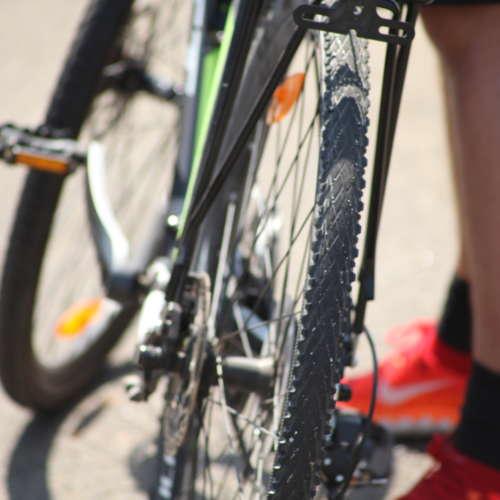 Zoom sur l'arrière d'un vélo Assistance pour vélo
