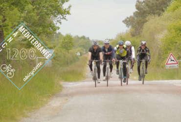 Groupe de 5 cyclistes relaint la Manche à la Méditerrannée Abicyclette Voyages