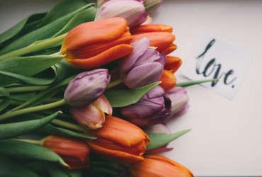Bouquet de fleurs cadeau fete des meres séjour vélo Abicyclette Voyages