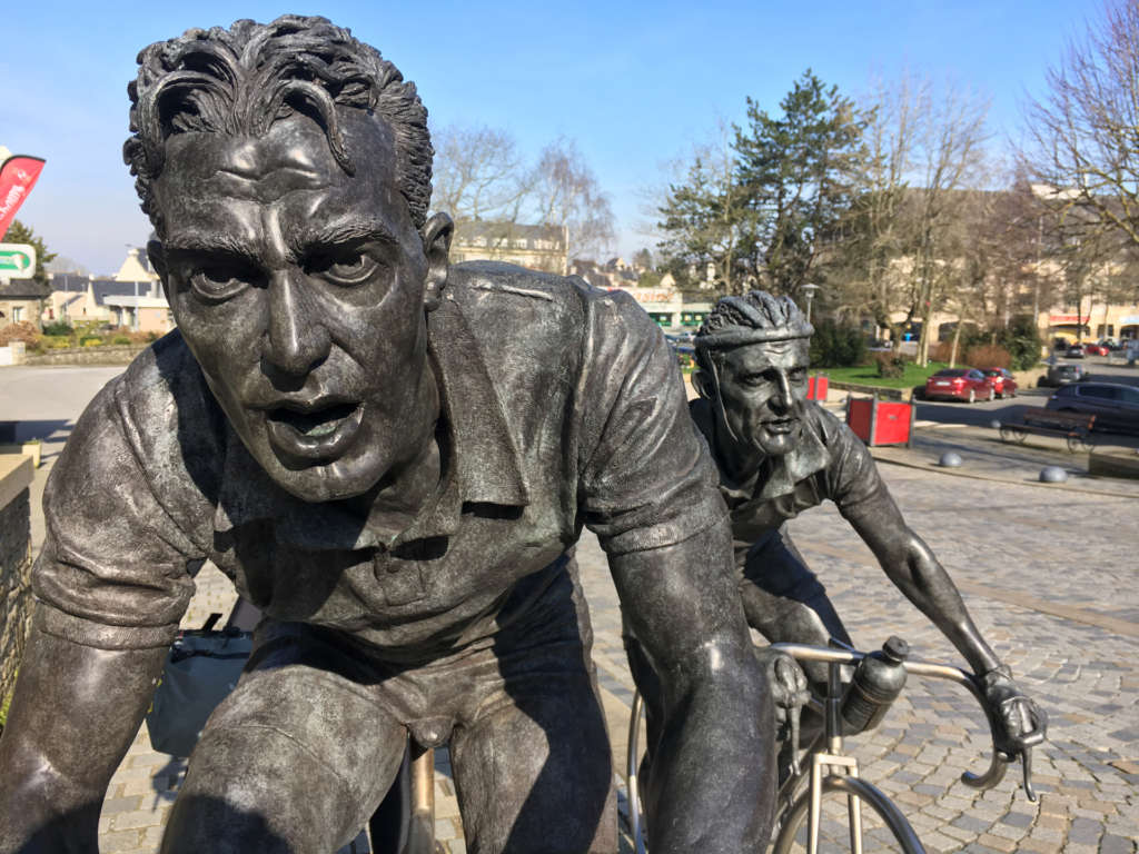 Statues of cyclists