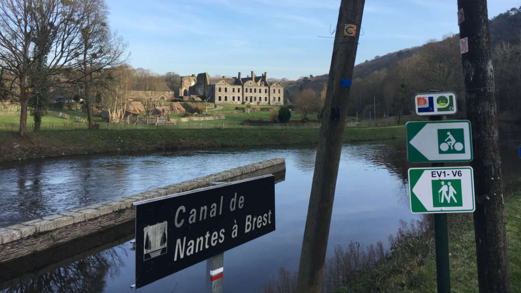 Nantes-Brest Canal - Vélodyssée