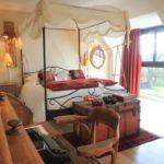 Chambre avec lit baldaquin Golfe du Morbihan