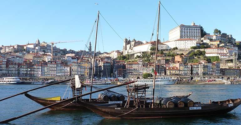 Vue du port de porto rabelo La vallée du Douro