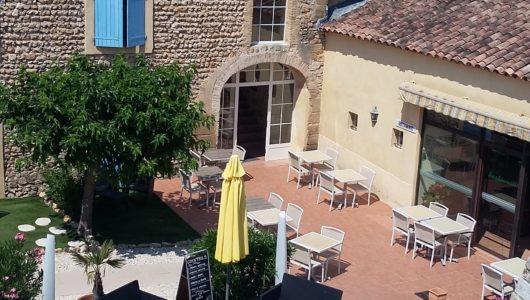 Piscine et terrasse Hôtel logis la bastide à saint bach