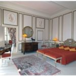 Chambre majestueuse dans un château du Val de Loire