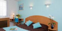 Chambre tons bleus Hôtel Les Dunes à La Tranche sur Mer Abicyclette Voyages à vélo