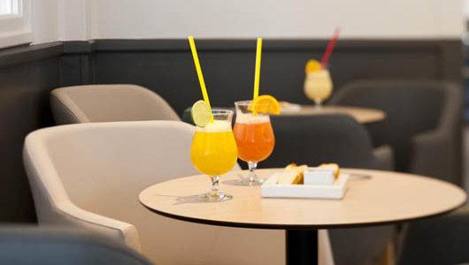 Cocktails au bar de l'Hôtel Les Dunes à La Tranche sur Mer