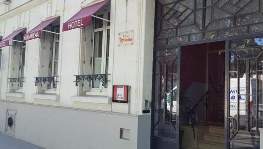 Façade Hôtel Mirabeau à Tours Abicyclette Voyages à vélo