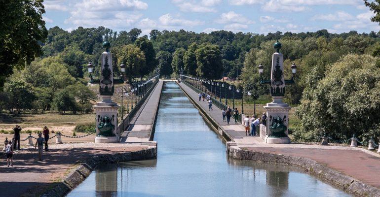 Vue du pont canal de Briare séjour à vélo