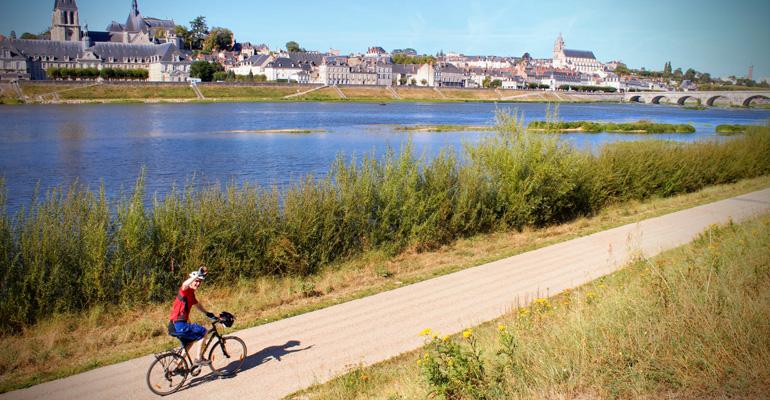 vélo en balade sur les bords de loire a blois