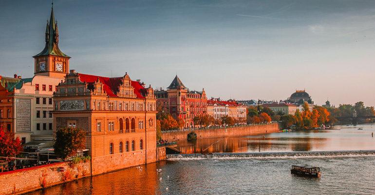 Coucher de soleil Rivière Elbe paysage vacances à vélo
