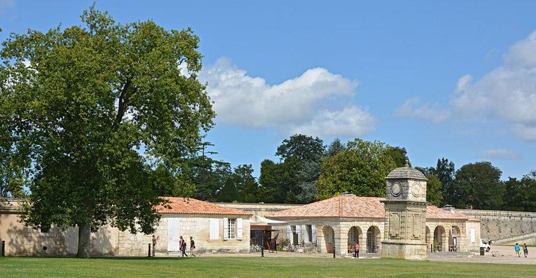 Corderie Royale de l'Arsenal de Rochefort vue de l'extérieur
