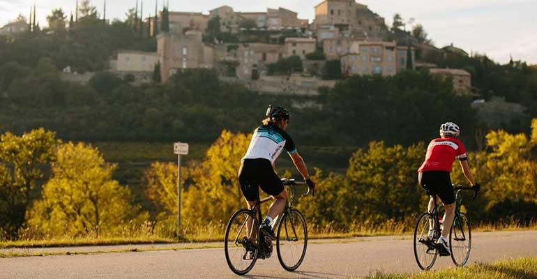 Cyclistes en Provence