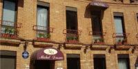 Façade de Hôtel restaurant Moissac Le Napoléon