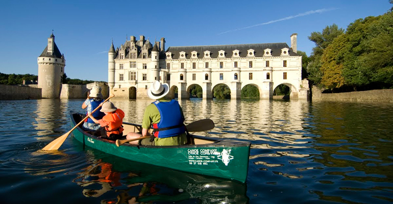 Canoe sous le chateau de cheonceau