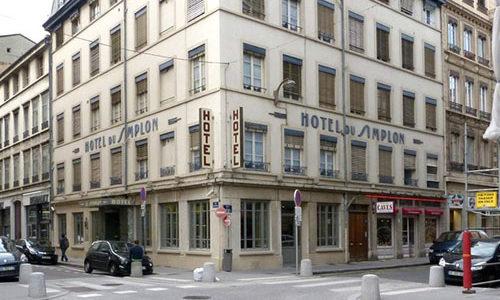 Façade de l'hôtel le Simplon
