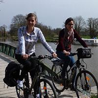 voyageuses à vélo sans casque