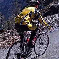 voyageur en vélo de route